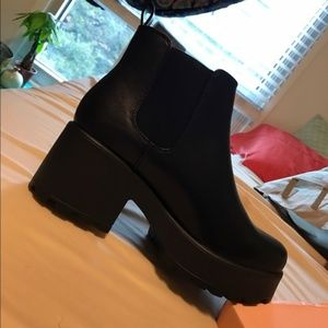 DOLLSKILL Sole Platform Chelsea Ankle Boots